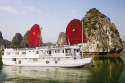 Friendly trip Hanoi - Halong - Hue - Hoi An - Saigon 8days/7nights in Diepanhquan Travel